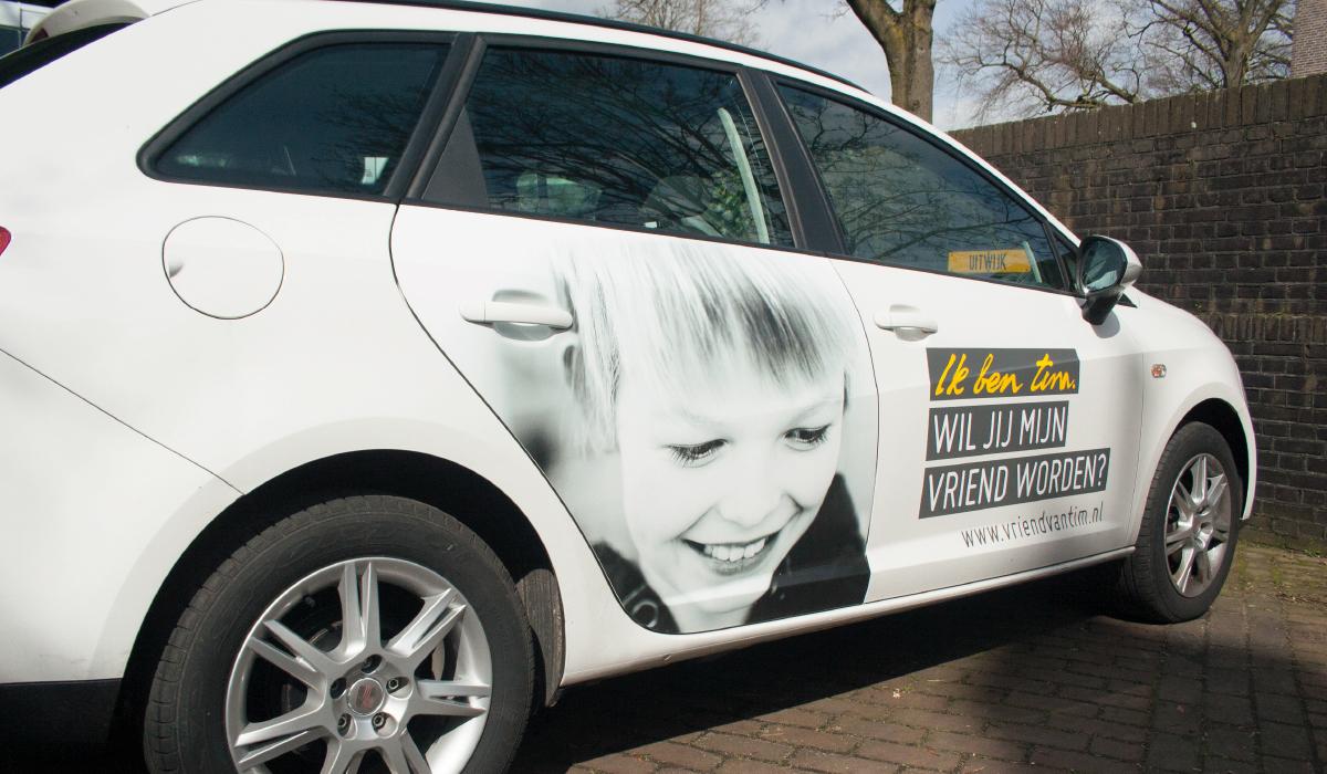 Auto ontwerp bestickering ik ben tim autismehuis